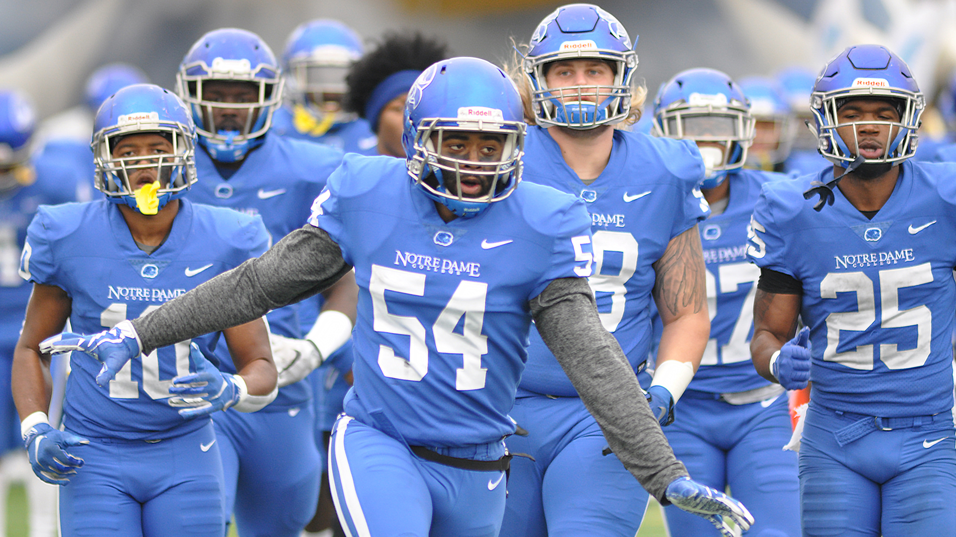 Football Takes On Valdosta State In Ncaa Semifinals Notre Dame College Athletics